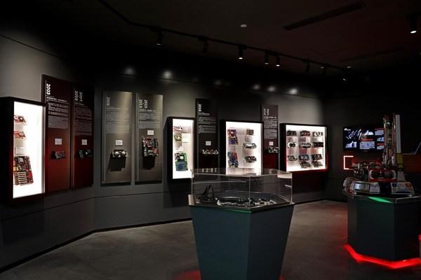 七彩虹历史产品展区