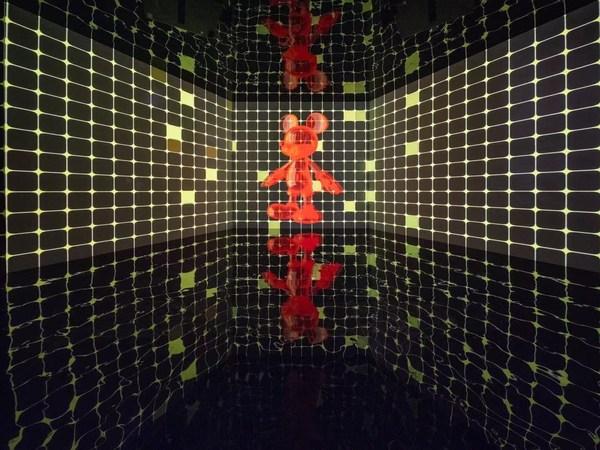 Noise Temple 的新媒体音画装置、视听设备:《跳舞的米奇》(Tanzmaus-808)