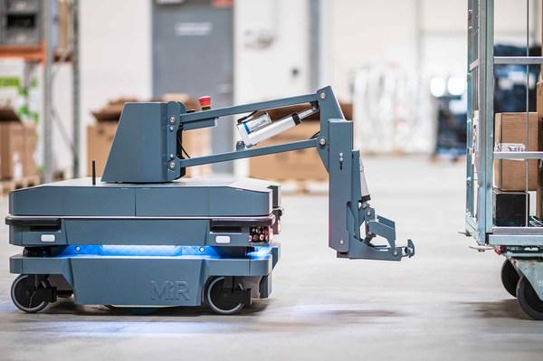 MiR自主移动机器人发布全新牵引产品MiR250 Hook