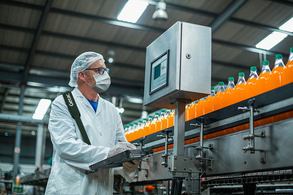 For manufacturing production supervisors, the F110's multiple connectivity options (including ThunderboltTM 4), rugged reliability and secure carrying accessories mean this information is always at their fingertips.