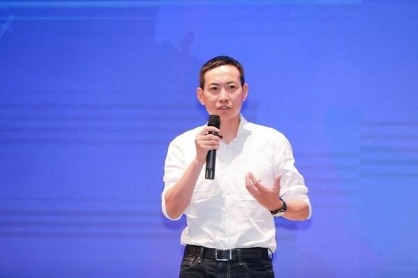 (图/华住集团总裁兼华住中国CEO金辉先生现场致辞)