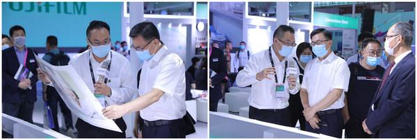 中宣部印刷发行局局长、中国印刷技术协会理事长刘晓凯莅临富士胶片集团展台