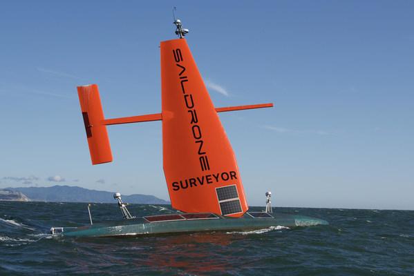 世界で最も先進的な自律調査艇がサンフランシスコからハワイへの洋上横断を達成