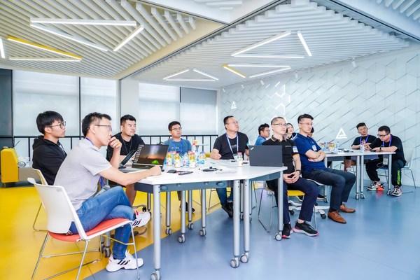 TUV莱茵携手东原集团举办技术交流会,保障儿童游乐设施安全