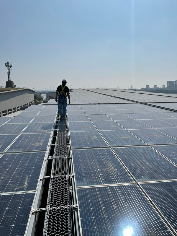 鼎日能源獲德國萊因新版太陽能運維系統驗證