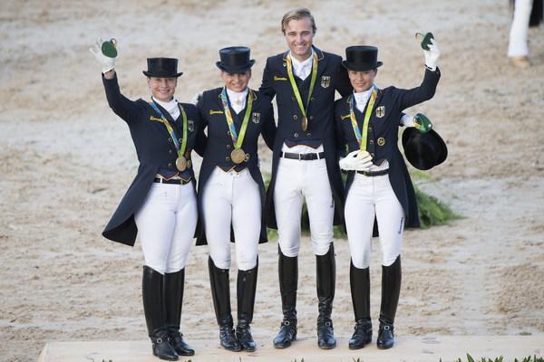 德国奥运盛装舞步团体赛冲刺难以置信的14胜