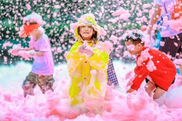 北京凯宾斯基饭店联手彩虹泡泡跑 打造一站式暑期亲子周末