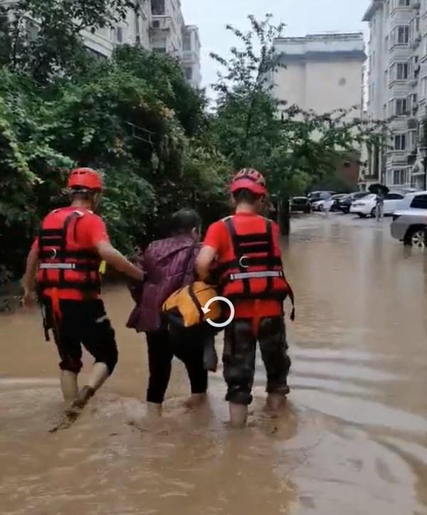 壹基金紧急响应河南洪灾,多支救援队伍连夜行动