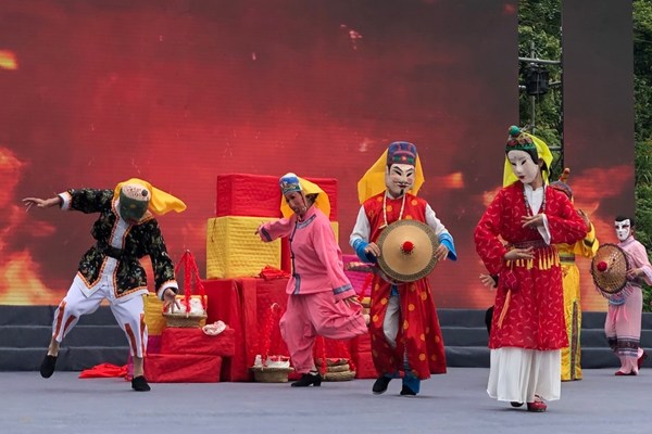 Xinhua Silk Road: Huanjiang Maonan Autonomous County in S. China eyes traditional ethnic culture, tourism resources to build int'l tourist city