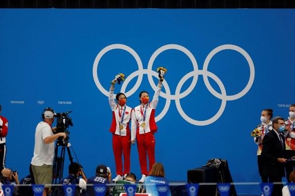 五星红旗在奥运赛场上冉冉升起
