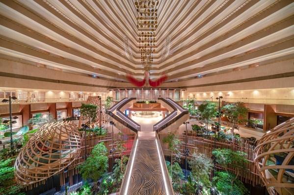 Khách sạn PARKROYAL COLLECTION Marina Bay, sau dự án cải tạo nâng cấp trị giá 45 triệu đô la Singapore, đã chuyển đổi hoàn toàn trở thành