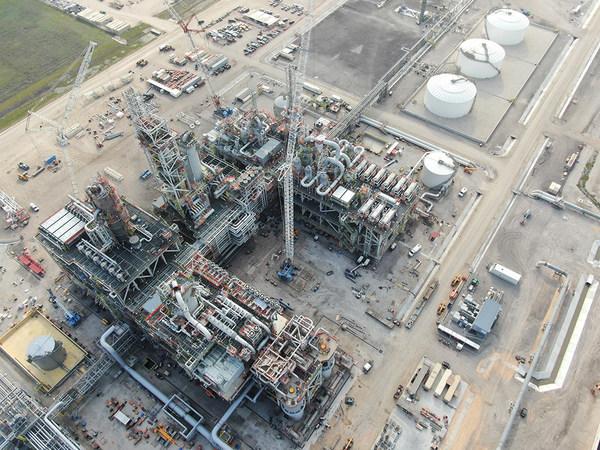 CTCI và các Đối tác hoàn tất lắp đặt hệ thống cơ học trên Mô-đun xử lý Mono-Ethylene Glycol (MEG) lớn nhất thế giới