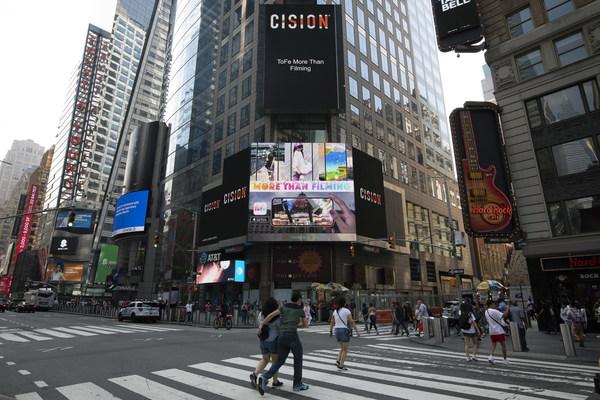 ToFe APP iOS版本全新上线 炫酷AR特效亮相纽约时代广场