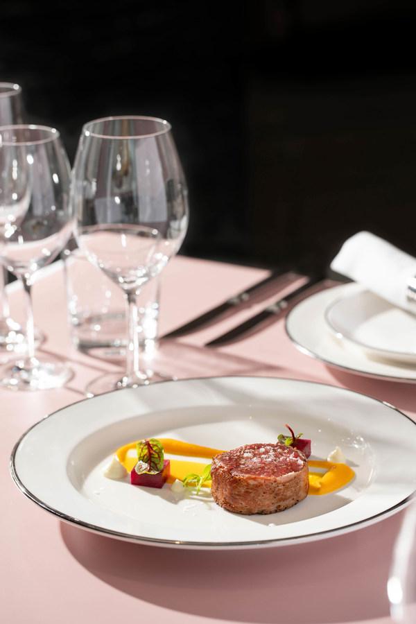 大堂酒廊-帕尔玛火腿卷和牛牛柳