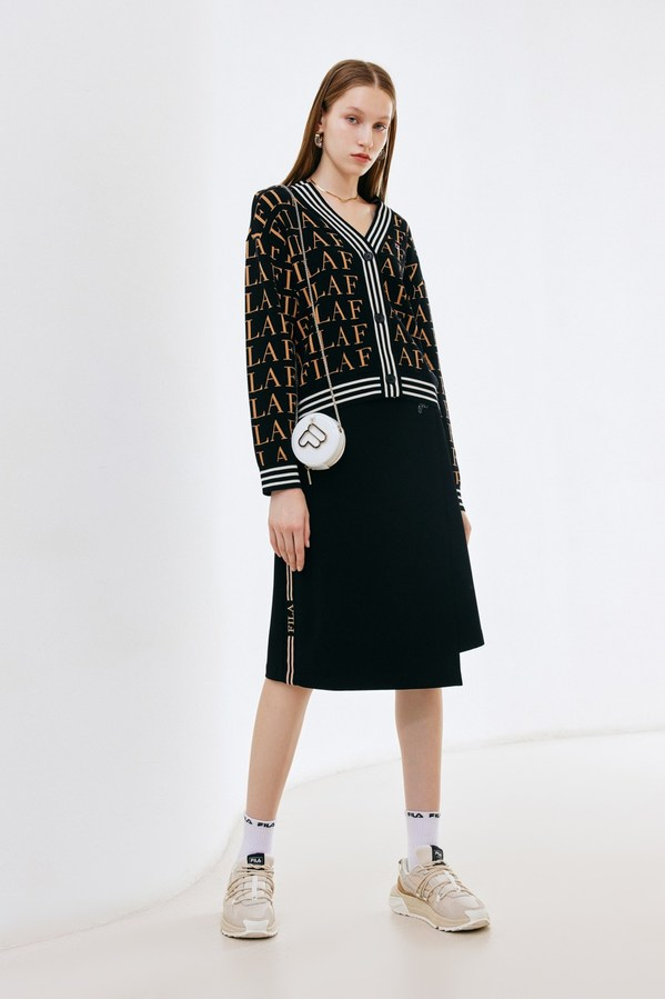 FILA高级运动时装代言人倪妮同款无可比NI的骑兵裙