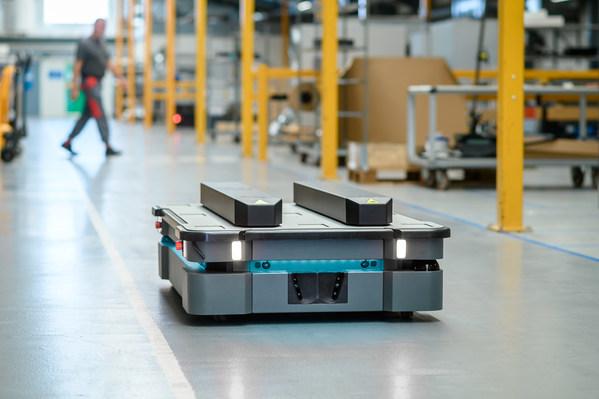 MiR自主移动机器人发布市场首批IP52评级新产品MiR600及MiR1350