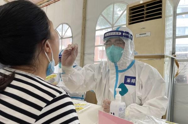 无锡凯宜医院医生加入街道核酸检测工作
