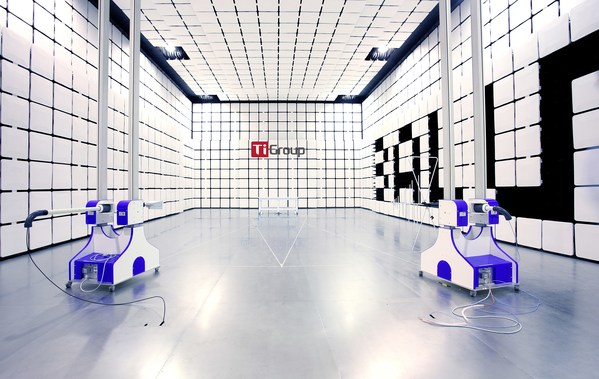 钛和十米法电波暗室