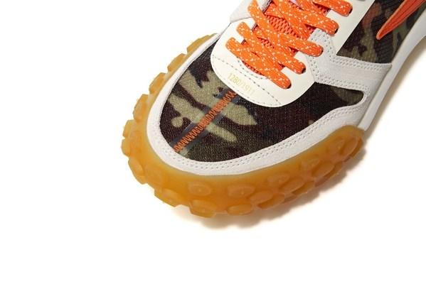 每双鞋鞋舌与鞋头缝合处的皮料上均拥有金色唯一编码