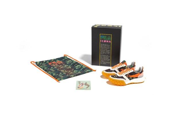 黑色特殊限量鞋盒内配有限量迷彩收藏袋和限量收藏卡片1张