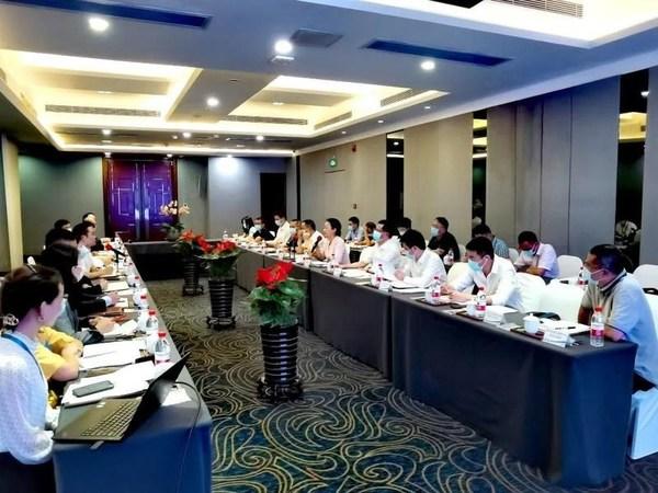 政府暖企 -- 深圳市政协领导赴挂点服务企业格兰云天调研