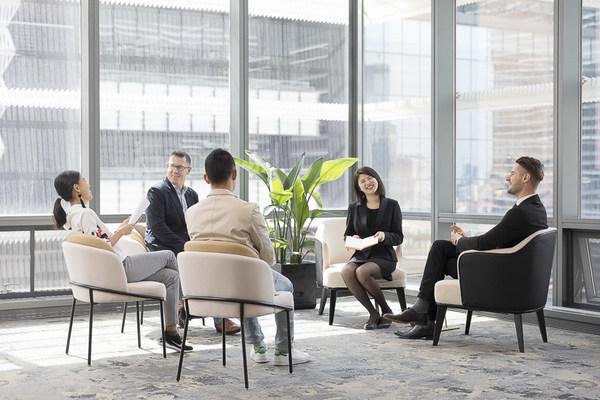 胡静与她的团队致力为客户营造一个氛围和谐、积极开放的商务社区