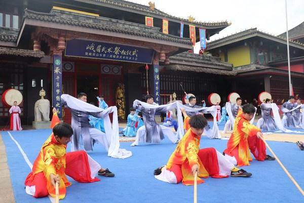 쓰촨 국제여행박람회에서 선보이는 유연하고 민첩한 어메이 우슈