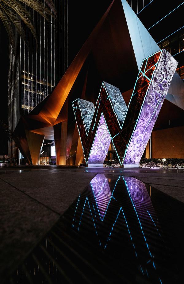 长沙W酒店巨型标志