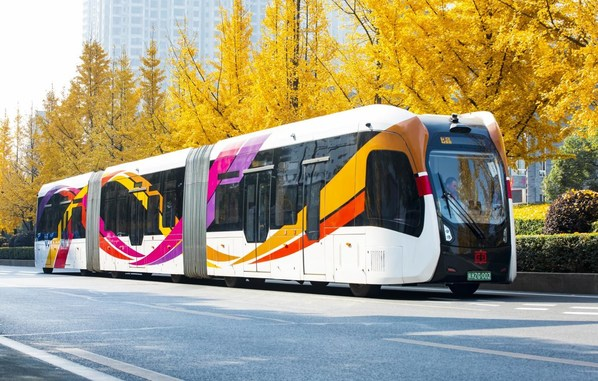 Nimble and energy-saving, CRRC's trackless trams operate on existing roadways, without tracks, making them easier and less expensive to incorporate into traditional transport systems.