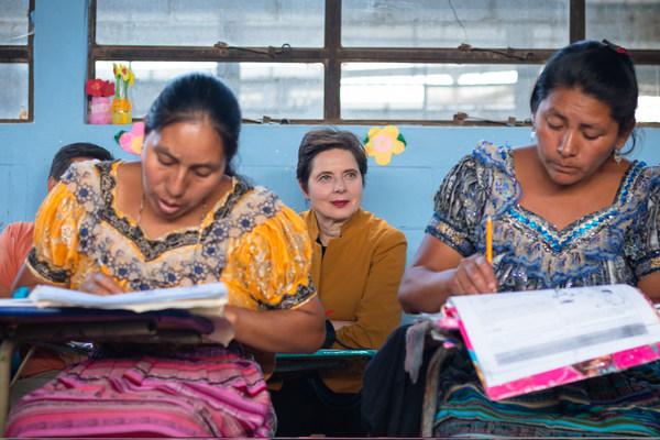 国際識字デーにランコムが「Write Her Future」による非識字対策支援を5年連続で再確認