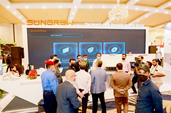Sungrow Signs a 50 MW Distribution Contract at Solar Pakistan 2021