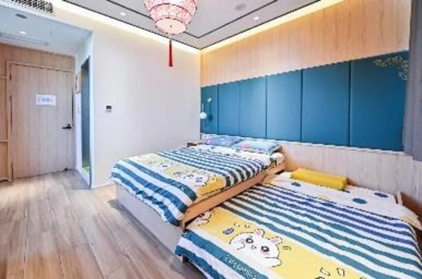 """北京""""麦当劳叔叔之家"""" 使用中国传统元素装点家庭客房、综合功能区等,为入住家庭打造舒适祥和的居住环境"""