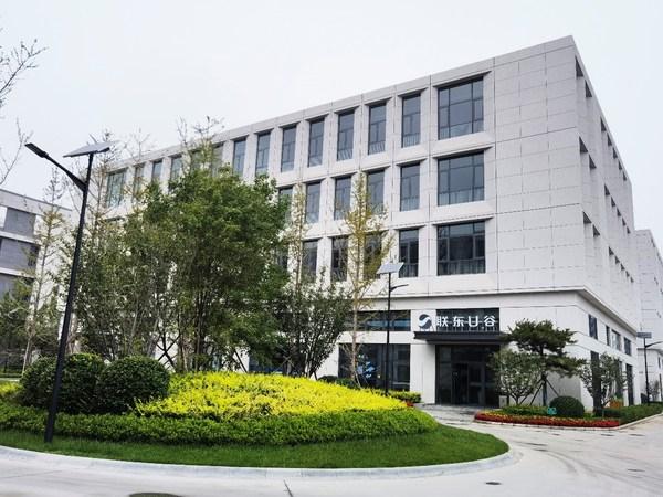 联东U谷-保定满城国际企业港的容积率低至1.4,绿化率高达25%,花园式环境让人赏心悦目。(河北日报通讯员 尹翼摄)