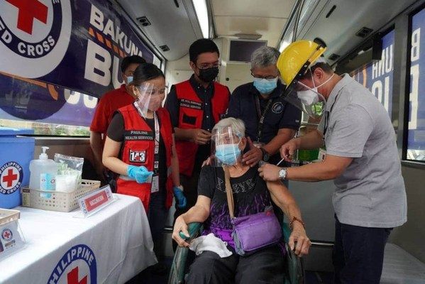 P&G partners with Philippine Red Cross for COVID-19 Bakuna Buses in CALABARZON