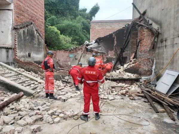 壹基金响应泸县6.0级地震,无畏日夜风雨,只为孩子可以安睡