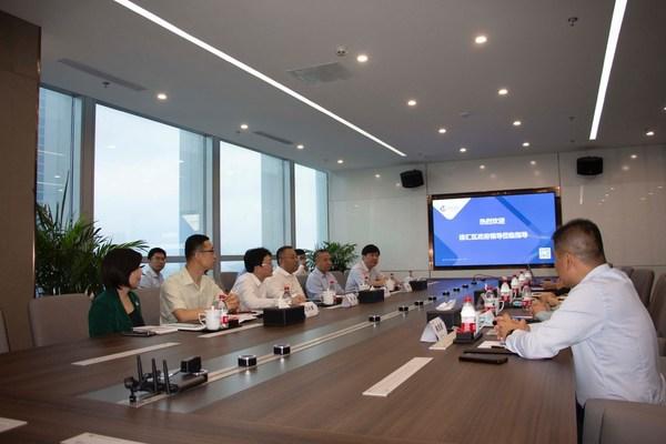 上海徐汇区委书记一行调研中电金信