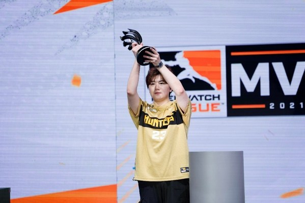 Leave當選2021《守望先鋒聯賽》MVP成為首位獲此殊榮中國選手