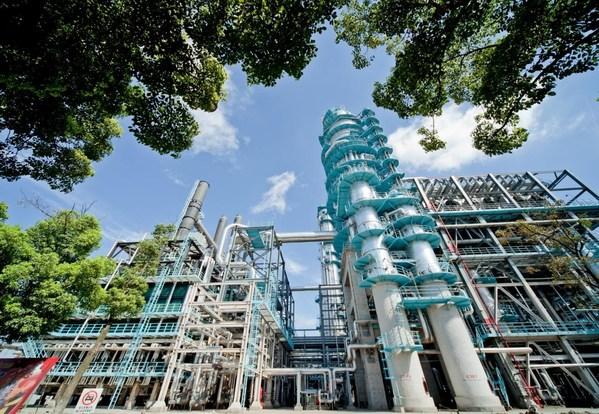 โรงงานผลิตของ Sinopec Gaoqiao Petrochemical Corporation