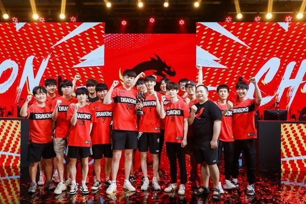 上海龙之队获得 2021赛季《守望先锋联赛》总冠军