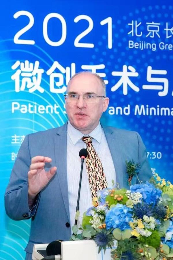 北京和睦家医院大外科副主任Derek O'Reilly