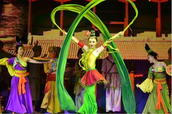 シルクロードに関する国際的文化博覧会、観光フェスティバルが中国西北部で開幕