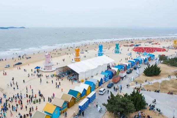 Yintan's Wind from the Sea Program is very popular with tourists