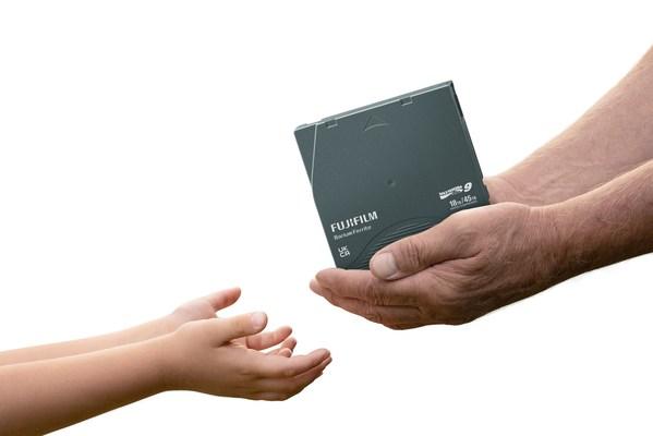 """致力于""""绿色存储"""" 富士胶片LTO磁带减排效益获认可"""