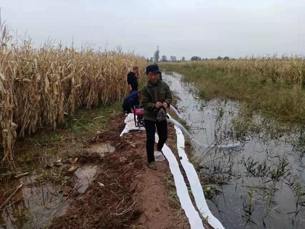 棉衣比寒潮先到 壹基金多批次救灾物资温暖山西陕西洪涝灾区群众