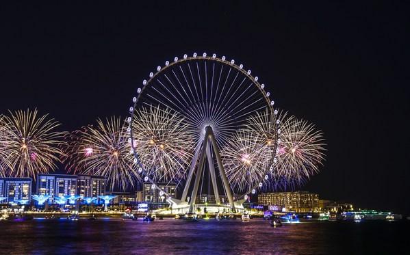 Ain Dubai, 환상적인 개막쇼 축하 공연으로 두바이 스카이라인 밝혀